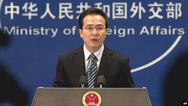 중국 외교부 정례 브리핑 중인 홍레이 대변인 (자료사진).