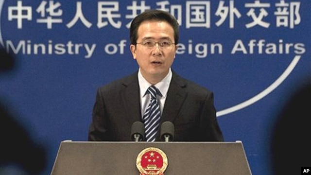 정례 브리핑 중인 중국 외교부 홍레이 대변인 (자료사진).