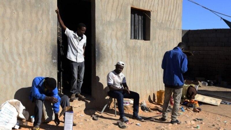 Huit migrants, dont 6 enfants, morts asphyxiés dans un camion en Libye