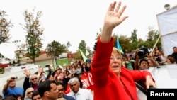 Kandidat presiden Chili, yang juga mantan presiden, Michelle Bachelet pada kampanye di Santiago (18/11).