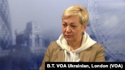 """Валерія Гонтарева у студії """"Голосу Америки"""" у Лондоні 26 квітня 2019 р."""