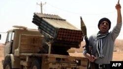 Libya'da İsyancılar İlerliyor