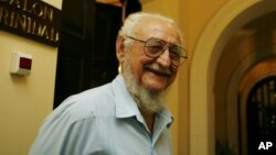 FILE - Ramon Castro, Fidel Castro's older brother, speaks with journalists at the National hotel in Havana. Ramon Castro, who studied agricultural engineering, spent his life tending crops and livestock.