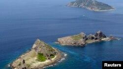 日本和中國對東中國海釣魚島(日本稱尖閣列島)及周邊海域有主權爭端。