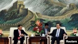 菲律宾总统杜特尔特在北京人民大会堂会见中国人大委员长张德江(2016年10月20日)