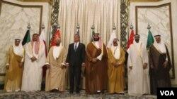 د متحده ایالاتو دفاع وزیر د خلیج د همکارۍ د شورا پر غړو غږ وکړ چې د داعش په وړاندی دې گډه مبارزه وکړي.