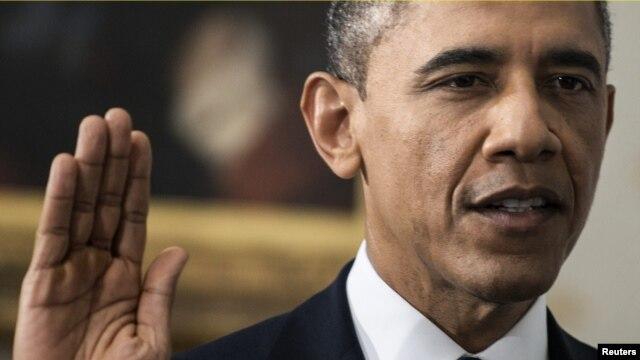 Privada y sobria fue la toma de juramento del presidente Obama en la Casa Blanca al mediodía de este domingo.