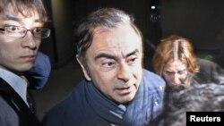 Carlos Ghosnfue arrestado por cuarta vez la semana pasada bajo la sospecha de que había tratado de enriquecerse a expensas de Nissan por un total de 5 millones de dólares.