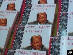 """""""Vidas, Lugares e Tempos"""", por Joaquim Chissano"""