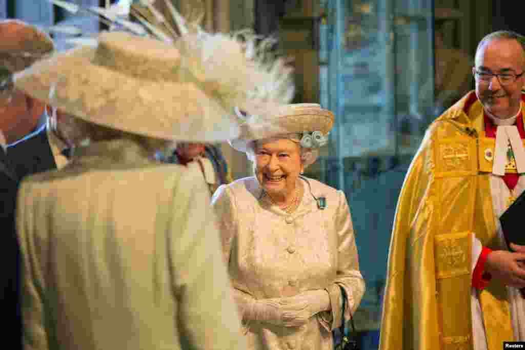 Britain's Queen Elizabeth arrives to attend a service celebrating the 60th anniversary of her coronation at Westminster Abbey, London, June 4, 2013.