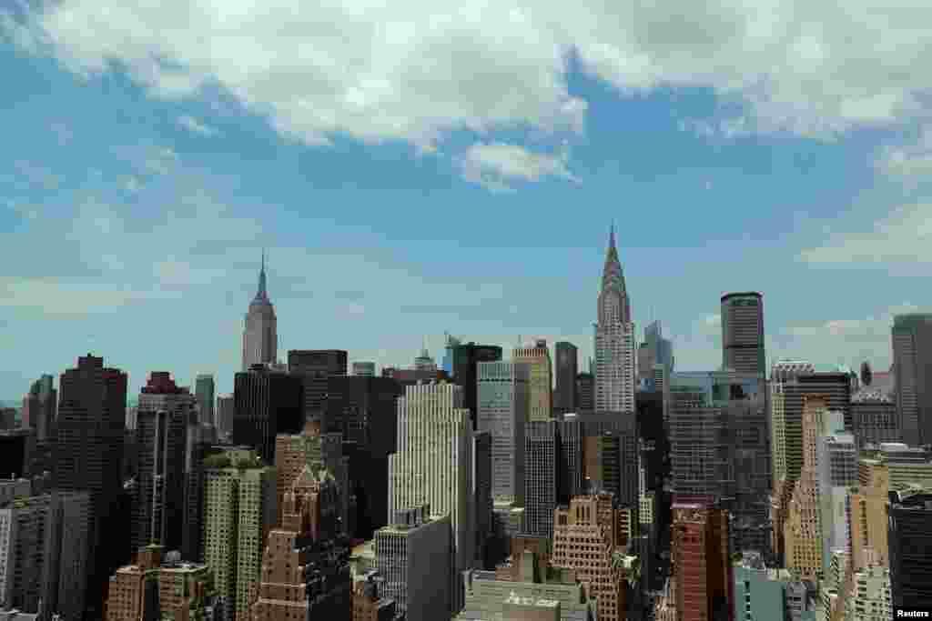 نگاهی به آسمان خراش های منهتن از مقر سازمان ملل در نیویورک