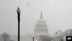 واشنگٹن میں ایک ہفتے میں دوسرا شدید برفانی طوفان