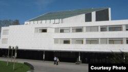 Фасад дворца «Финляндия»