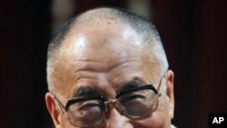 西藏流亡精神领袖达赖喇嘛 (资料照片)