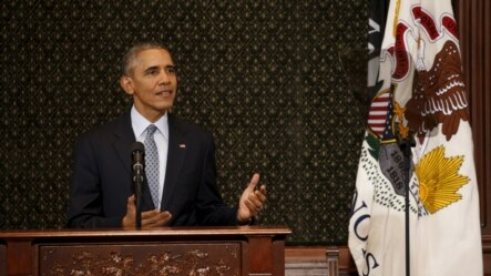 美国总统奥巴马2月10日到伊利诺伊州斯普林菲尔德市访问时,在该州议会发表讲话。