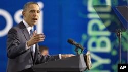 President Barack Obama speaks at a UPS facility in Landover, Md., Apr 1, 2011