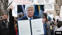 امریکا ته د ننوتلو د ۷ هیوادونو پر اتباعو بندیز د جمعې په ورځ امضا شو