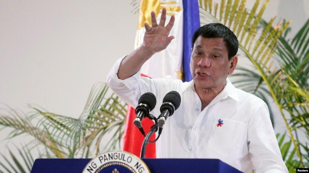 """Tổng thống Duterte chỉ thị tăng cường tuần tra hải quân trong khu vực và xây dựng các cấu trúc """"cho thấy đây là khu vực của chúng tôi""""."""