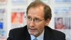 El Dr. Eduardo Gamarra comparte conclusiones sobre el panel Crisis en Venezuela