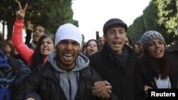 Une manifestations d'étudiants au chômage à Tunis, le 20 janvier 2016. (REUTERS/Zoubeir Souissi)