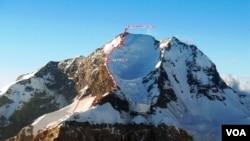 Azərbaycan alpinistləri Pamirin zirvəsində