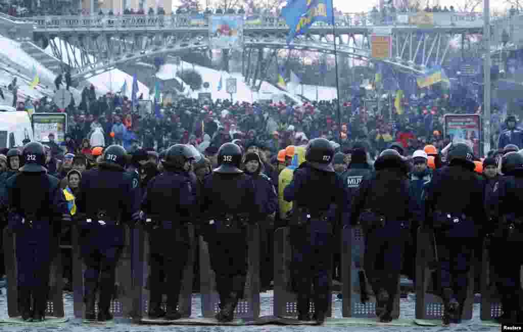 Kiyevin Azadlıq meydanı - 11 dekabr, 2013