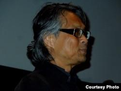 Đạo diễn Nguyễn-Võ Nghiêm Minh tại Đại học Berkeley hôm 15/3/15 (ảnh Bùi Văn Phú)