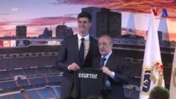 Thibaut Courtois arrive au Real Madrid (vidéo)