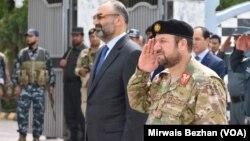 وزیر داخله افغانستان در سفرش به ولایت بلخ به برخی کاستی ها در نیرو های امنیتی افغان اشاره کرد.