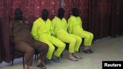 지난 1일 이라크서 알카에다 연계단체에 소속된 혐의로 체포된 용의자들. (자료사진)