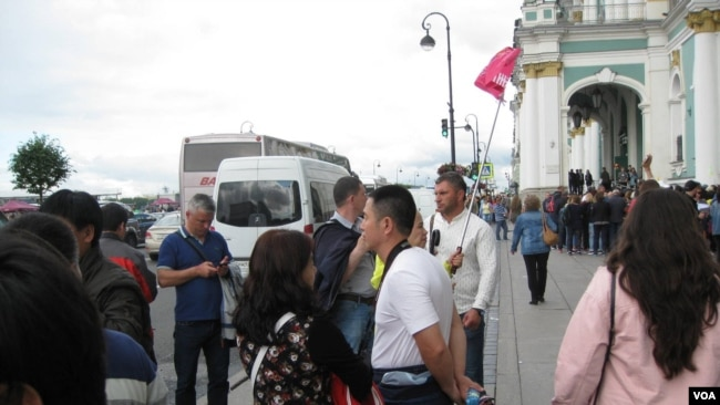 Chinese tourists in russia