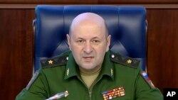 Начальник войск радиационной, химической и биологической защиты Вооруженных сил России генерал-майор Игорь Кириллов