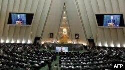İran Parlamentinin Təbriz və Urmiyədə nümayişlərə səbəb olan qərarının hekayəsi