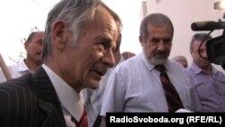 Мустафа Джемілєв прибув на виїзне засідання Меджлісу в Генічеську