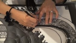 Immigrant Hopes to Revive Chinese Paper Cutting