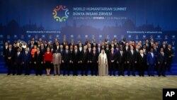 Para pemimpin dan wakil dari 125 negara menghadiri KTT Kemanusiaan Dunia di Istanbul, Turki (23/5).