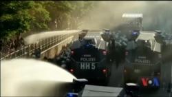 Десятки тисяч людей у Гамбурзі вийшли на запеклі протести проти саміту G20. Відео