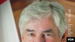 Menteri Luar Negeri Kanada Lawrence Cannon