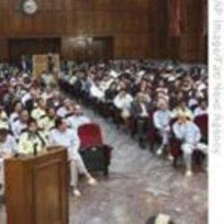 وقايع روز: تجمع روزانه خانواده های دستگير شدگان ١٣ آبان مقابل دادگاه انقلاب
