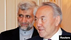 Kazakhstan's President Nursultan Nazarbayev (R) meets with Iran's Supreme National Security Council Secretary Saeed Jalili in Almaty, Kazakhstan, February. 25, 2013.