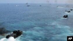 美國海軍在南中國海同東南亞國家軍隊一起演習(資料圖片)