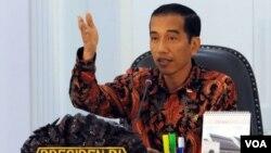Presiden Joko Widodo (Jokowi) memastikan pasal penghinaan kepada Presiden dalam RUU KUHP masih dalam pembahasan dengan Dewan Perwakilan Rakyat (foto dok. VOA/Andylala).