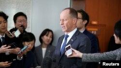 지난 6일 서울을 방문한 데이비드 스틸웰 미 국무부 동아태 담당 차관보가 기자들의 질문에 답하고 있다.