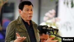 Philippine President Rodrigo Duterte says he is on the right track regarding human rights and has never instructed security forces to kill suspects who were not resisting arrest.