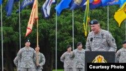 陸軍野戰軍第一軍團指揮官布朗鼓舞士氣 (來源:美國軍方照片)