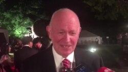 白邦瑞博士在双橡园双十节庆祝活动期间接受美国之音采访