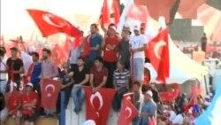 2016-08-08 美國之音視頻新聞: 土耳其總統在集會上演說展示實力