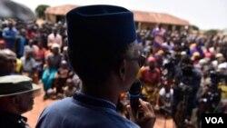 Gwamnan jihar Kaduna, Malam Nasiru El-Rufa'i yayin da yake jawabi ga wadanda ya kai jaje