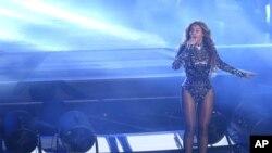"""Beyoncé y Coldplay colaboraron recientemente en el nuevo álbum de la banda, """"A Head Full of Dreams"""", y actuaron juntos en el """"Global Citizen Festival"""" en Nueva York, en septiembre."""