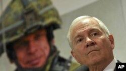 نیٹو ممالک افغانستان سے نکلنے میں جلدی نہ کریں، رابرٹ گیٹس